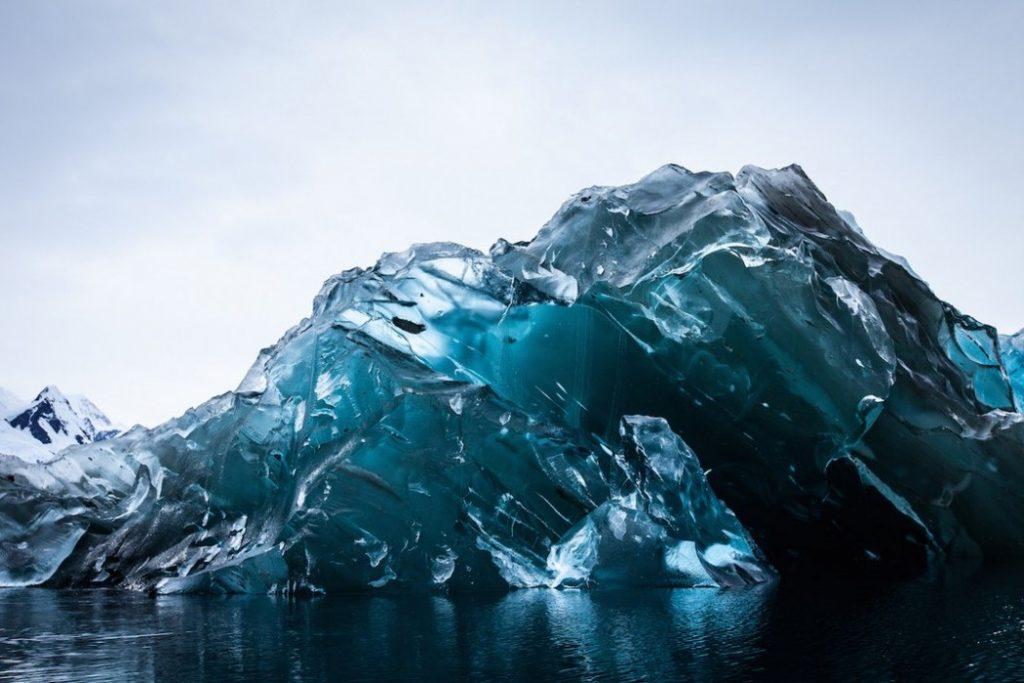 Impresionantes imágenes del iceberg que se dió la vuelta 1