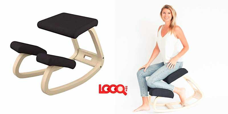 usando una silla ergonómica de rodillas